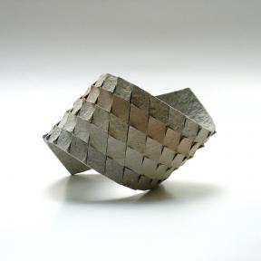 dana_berkovich_cardboard_bracelet.jpg