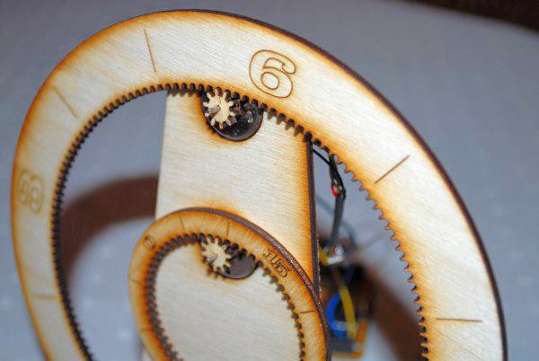Cool weekend DIY project — laser-cut gear clock