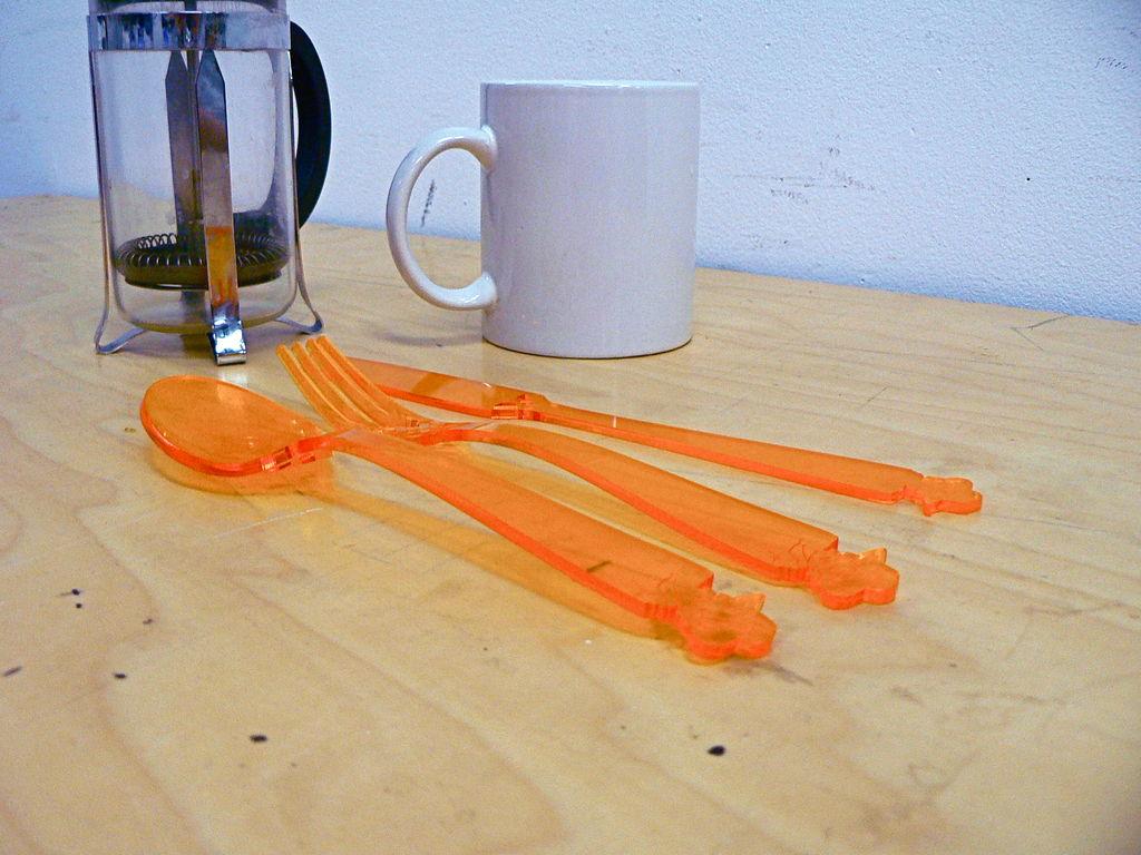 how to cut acrylic plasticd