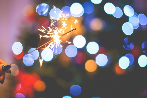 christmas-sparklers_385-19322616