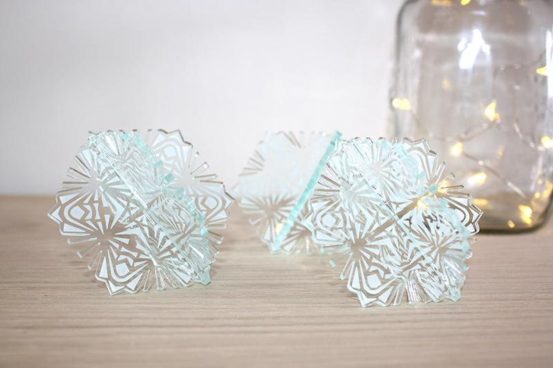 snowflakes_sml