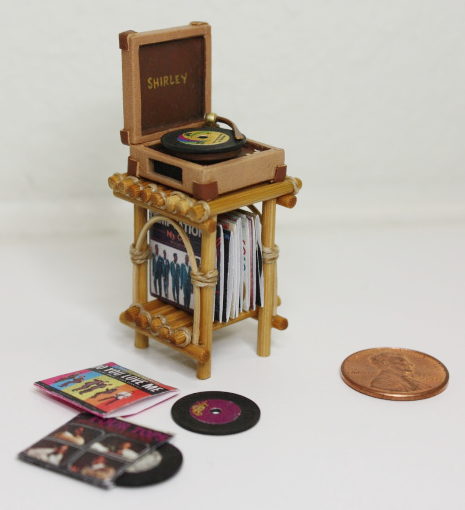 Wishcraft Studio 9 - Wooden Dollhouse Record Player