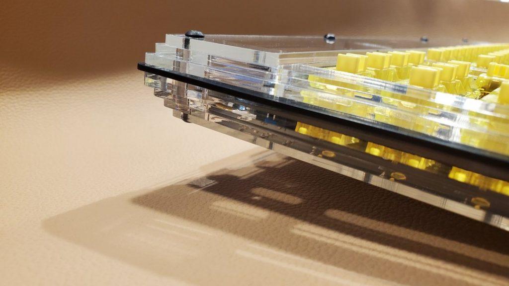 Limbo Keys Sidecar 3 - Yellow Keys Side View